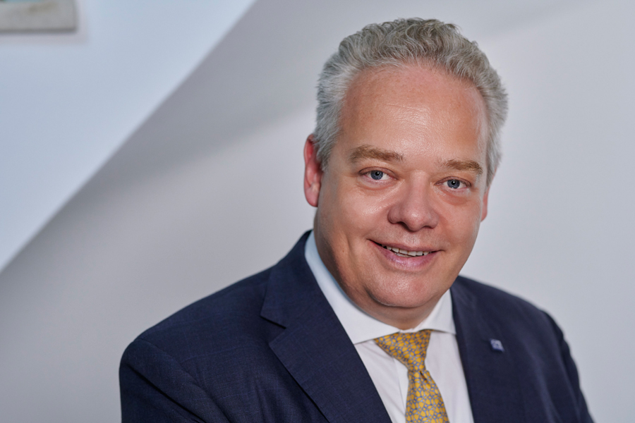 Joerg T. Boeckeler
